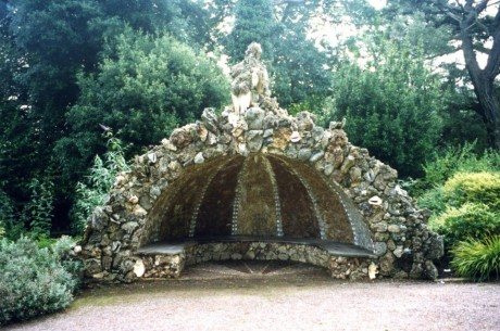 cornwall-grotto-seat